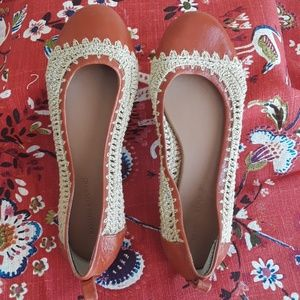 BANANA REPUBLIC crochet flats Size 6.5